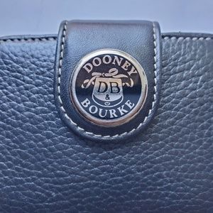 Dooney & Bourke Bags - Dooney & Bourke Black Zip Wallet